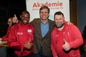 Nyasha Derera, Internationaler Athletensprecher, Timothy Shriver, Präsident Special Olympics International, und Mark Solomeyer, Nationaler Athletensprecher, gemeinsam beim Athletenforum in Berlin.